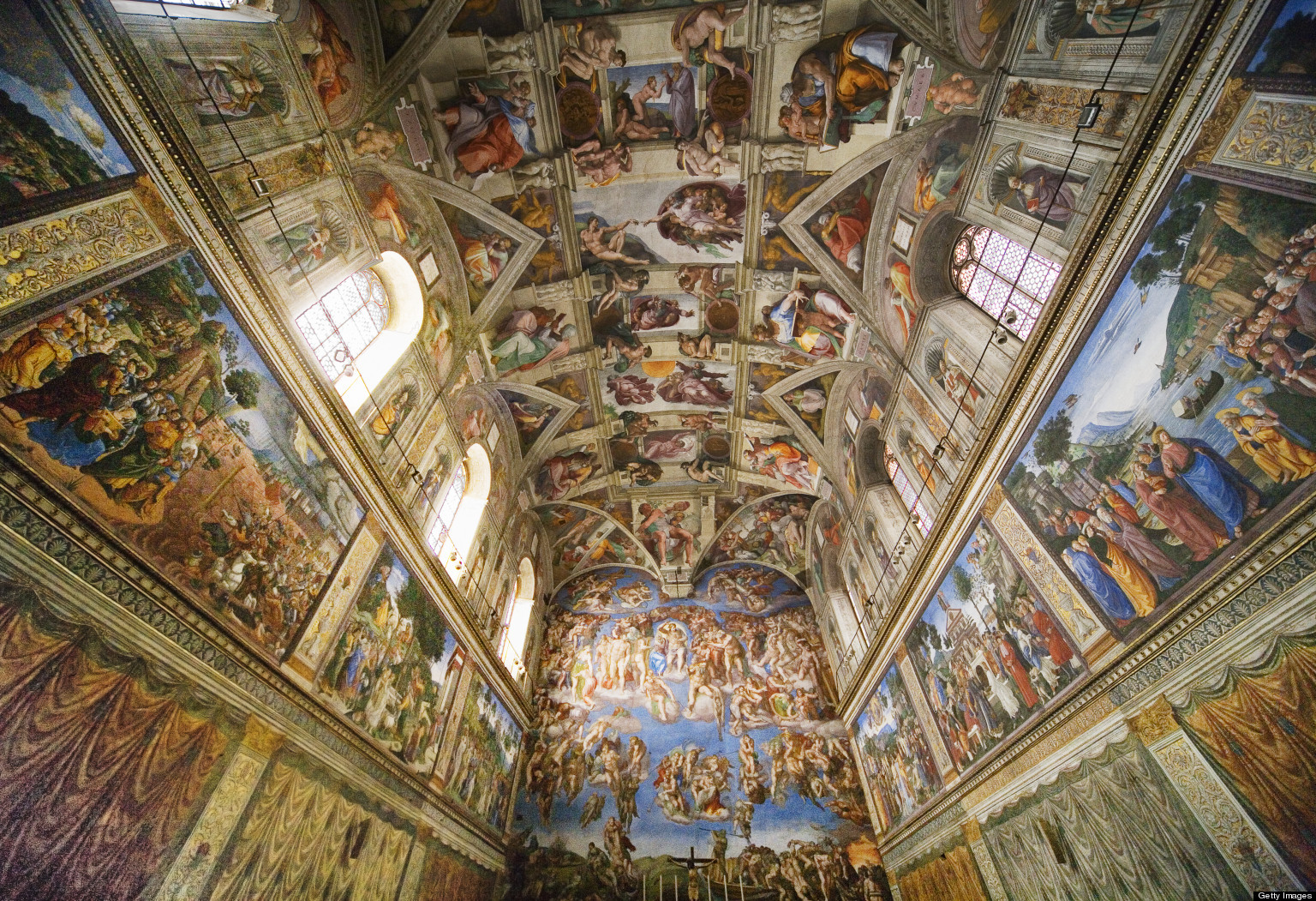 Vatican city travel guide vacation advice 101 for Escultura mural