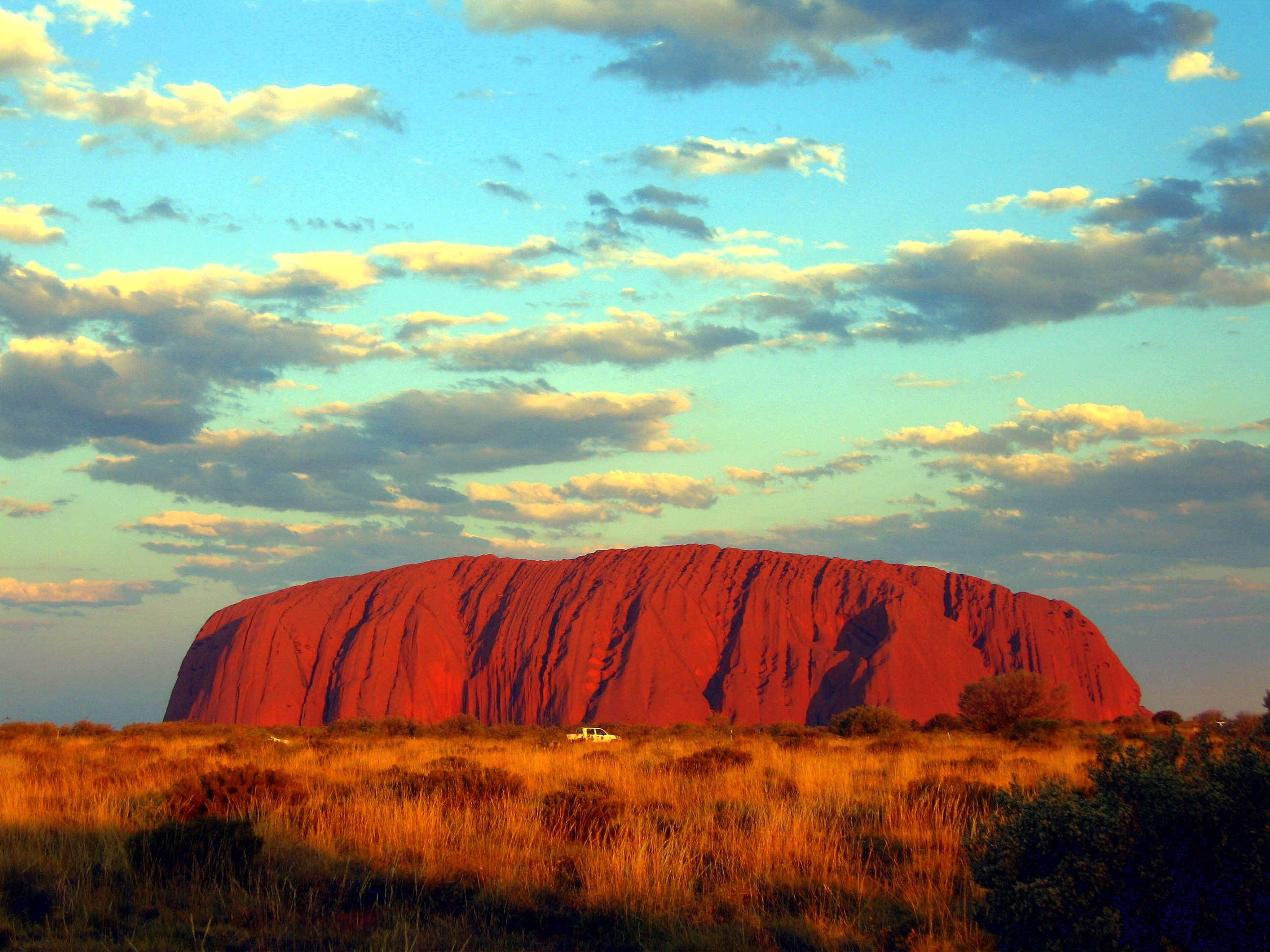 [Image: Ayers-Rock-Summer.jpg]