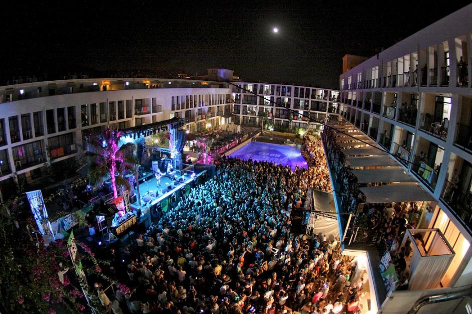 20_Ibiza_Rocks___The_Klaxons_Gig