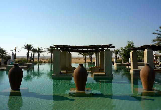 Photo Credit: http://northtraveller.blogspot.com/2010/12/jumeirah-bab-al-shams.html
