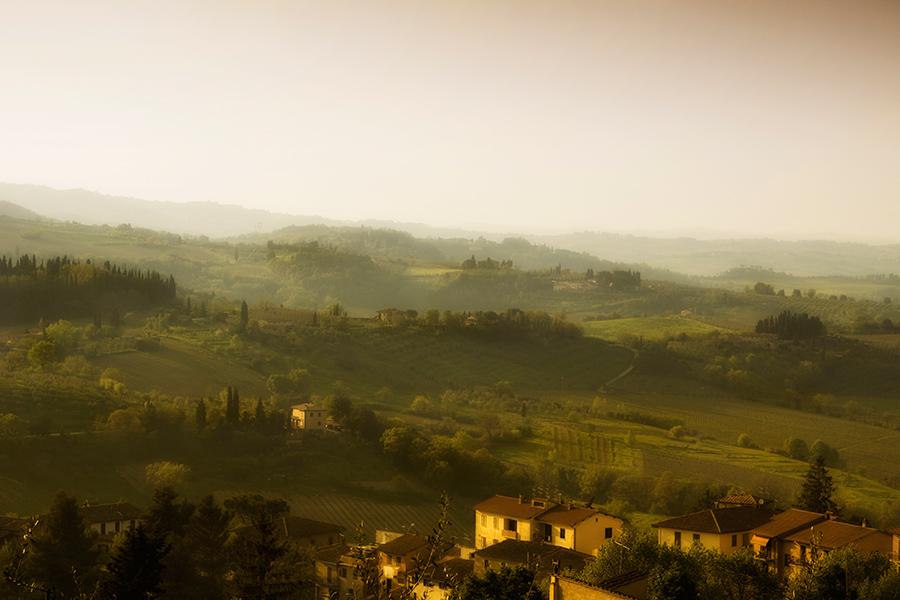 rolling hills tuscany