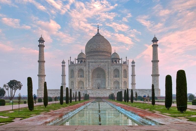 Taj_Mahal_Morning