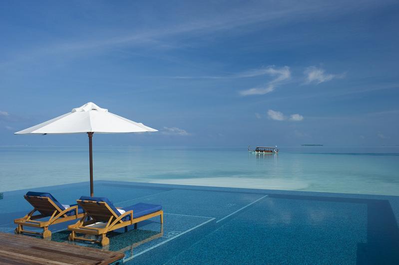 rangali-island-infinity-pool