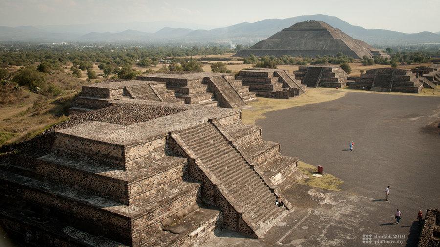 teotihuacan_platforms_by_karikaiyuk-d50t7ms