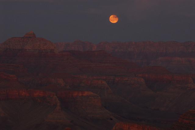full moon grand canyon