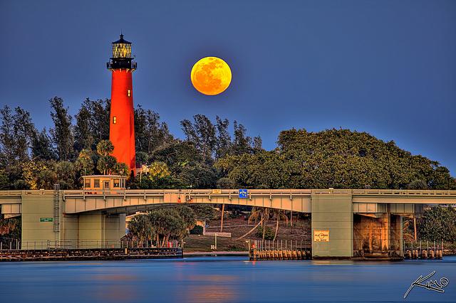 full moon jupiter lighthouse