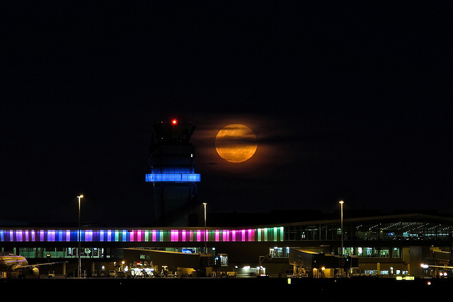 full moon new zealand airport
