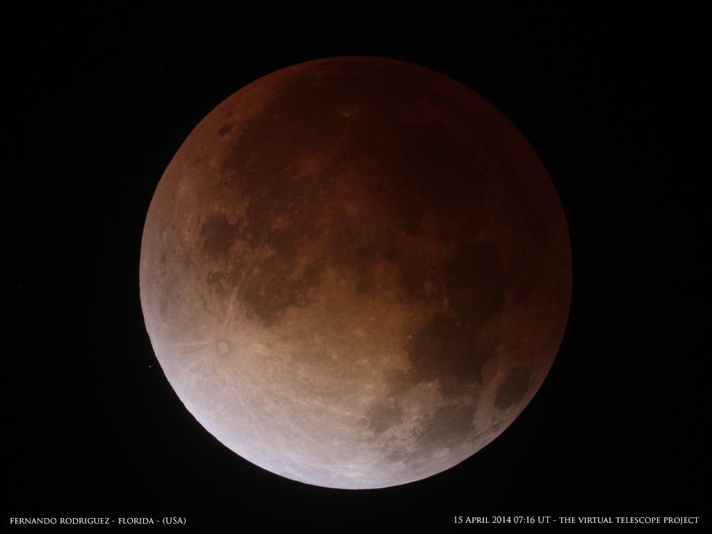 total-lunar-eclipse-april-15-fernando-rodriguez